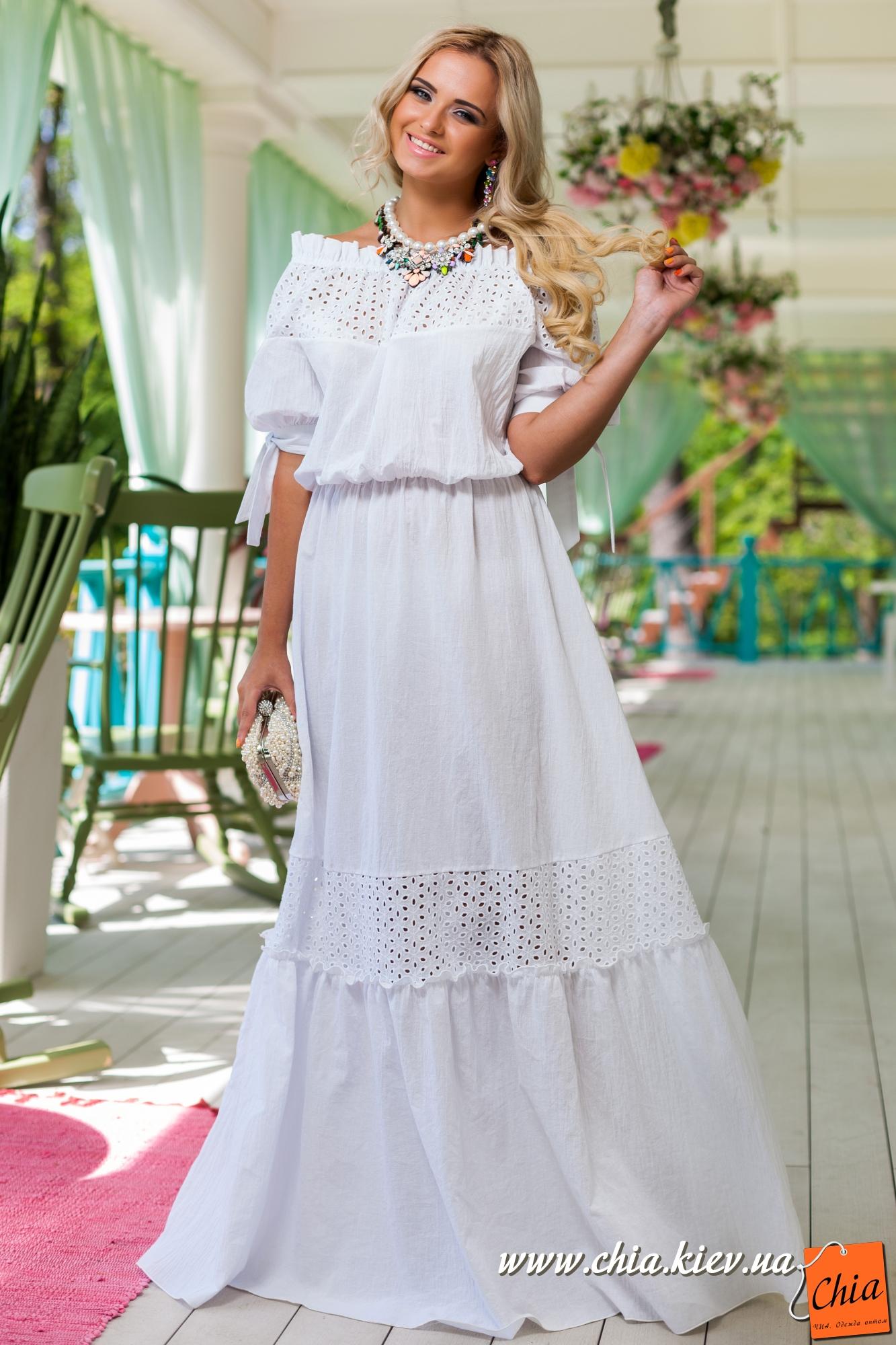 Платья с шитьем
